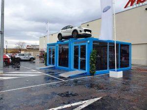 Dónde encontrar módulos prefabricados para exposición de coches