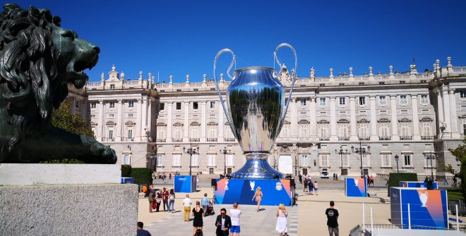 Festival Champions League copa frente Palacio Real